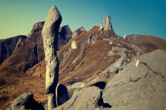 romania_mountains_RockFormation_squished_1600