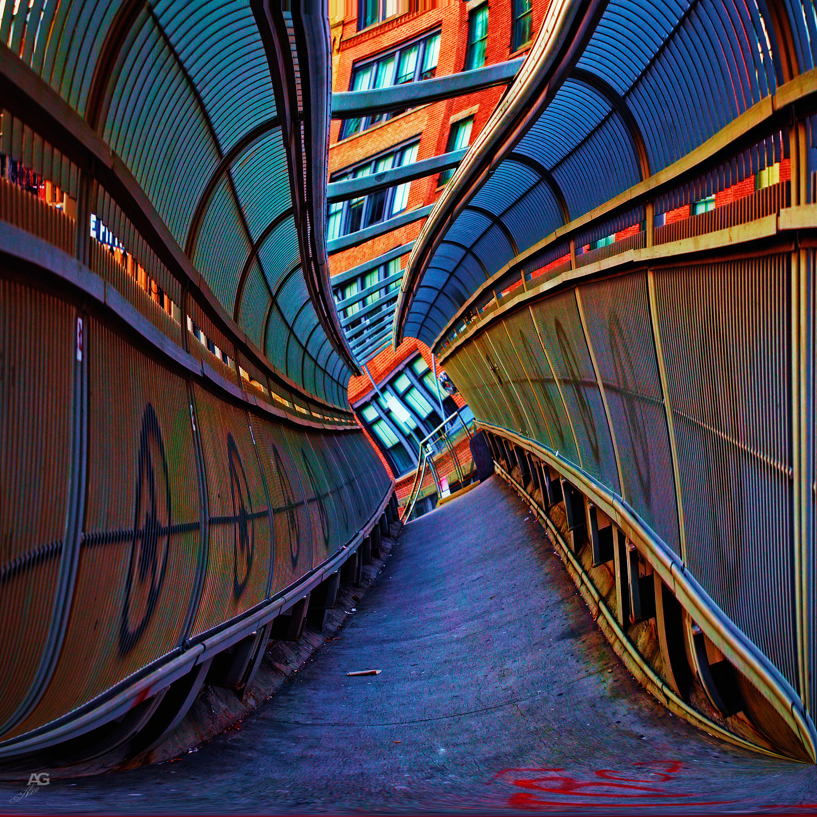 TunnelBridgeInManhattanDowntownNearCanalStreet_unfoldedTwisted_1600