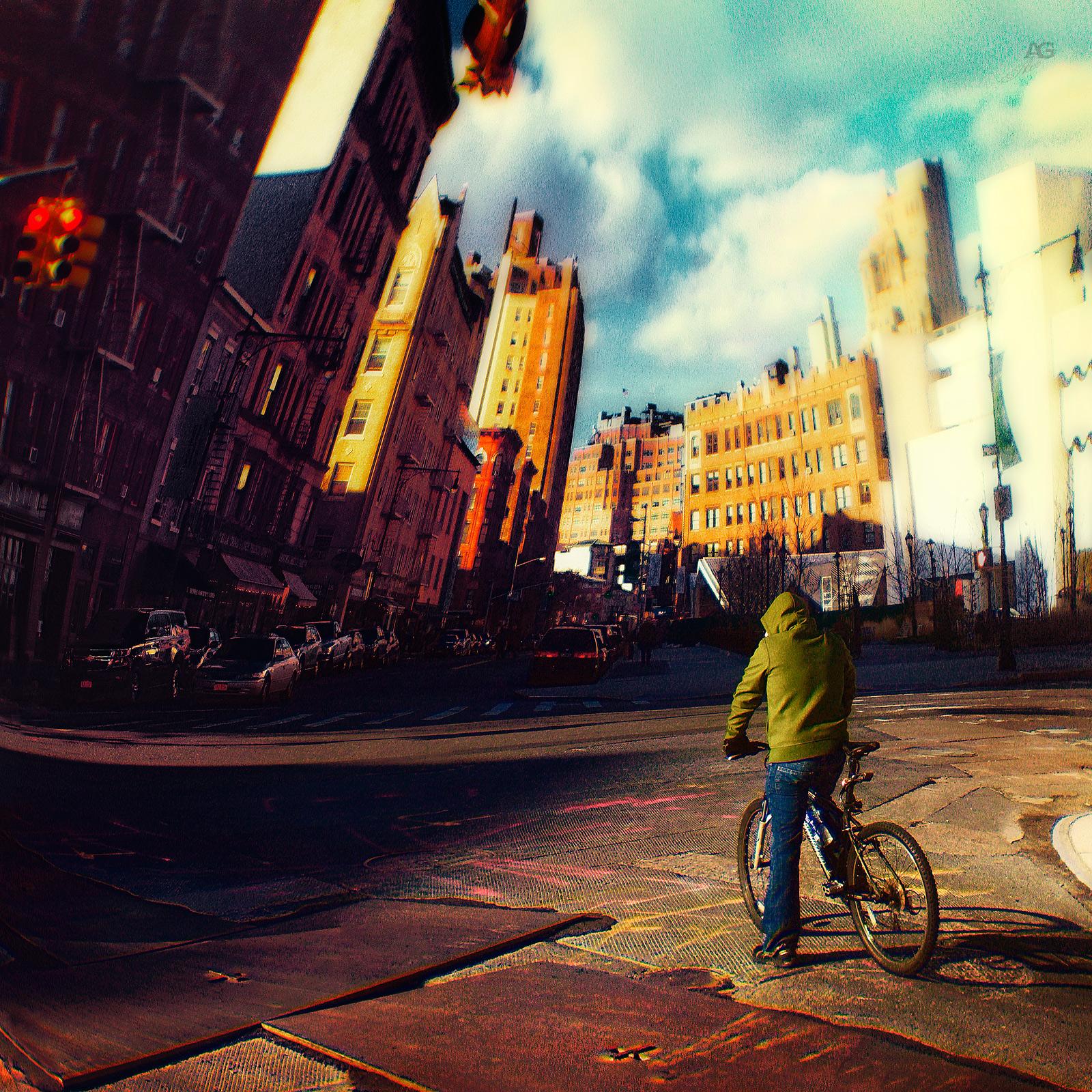 CyclistInManhattanAround14thStreet_Romanika_warped_1600