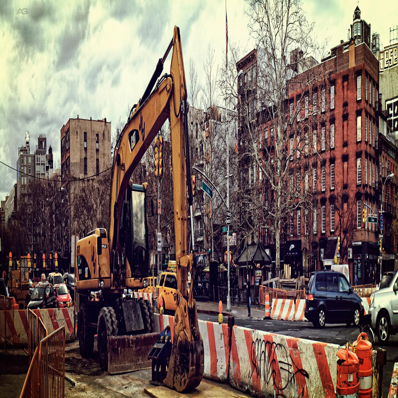 ExcavatorOnManhatanStreetVillage_squished_1600