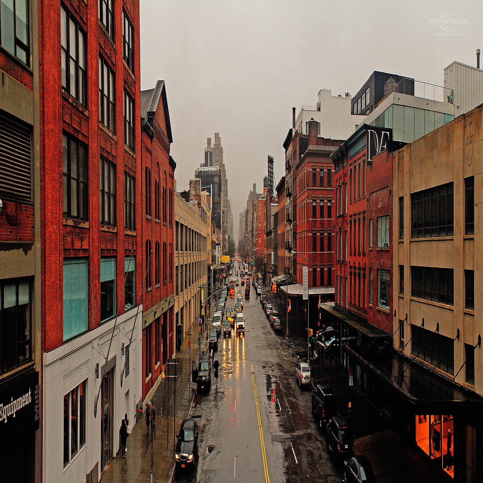 ManhattanStreetFromHighLane_1600