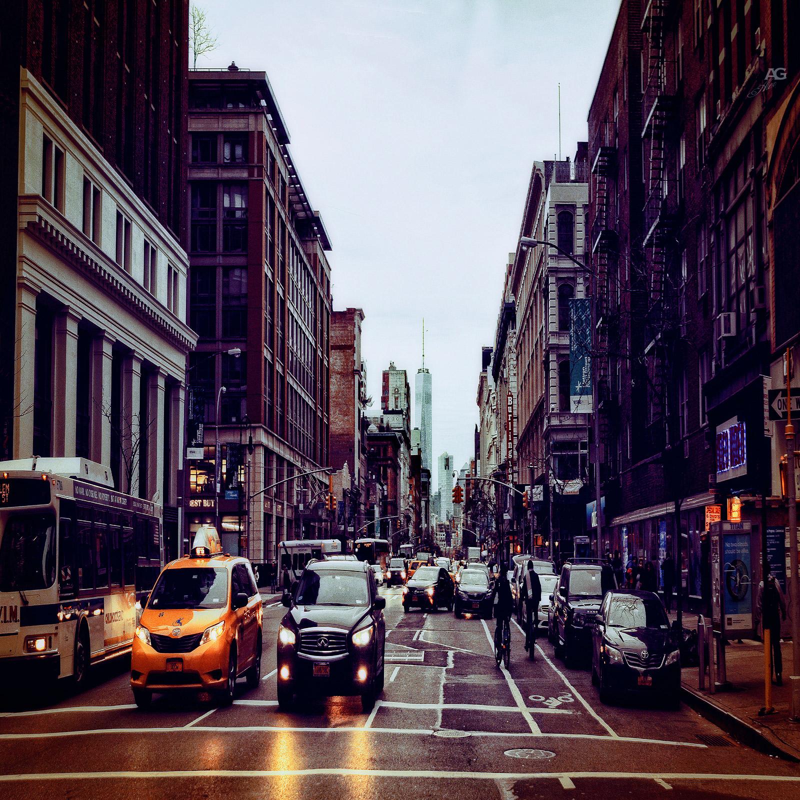 ManhattanStreetWithWTC_FreedomTowerOnTheBackground_squished_1600