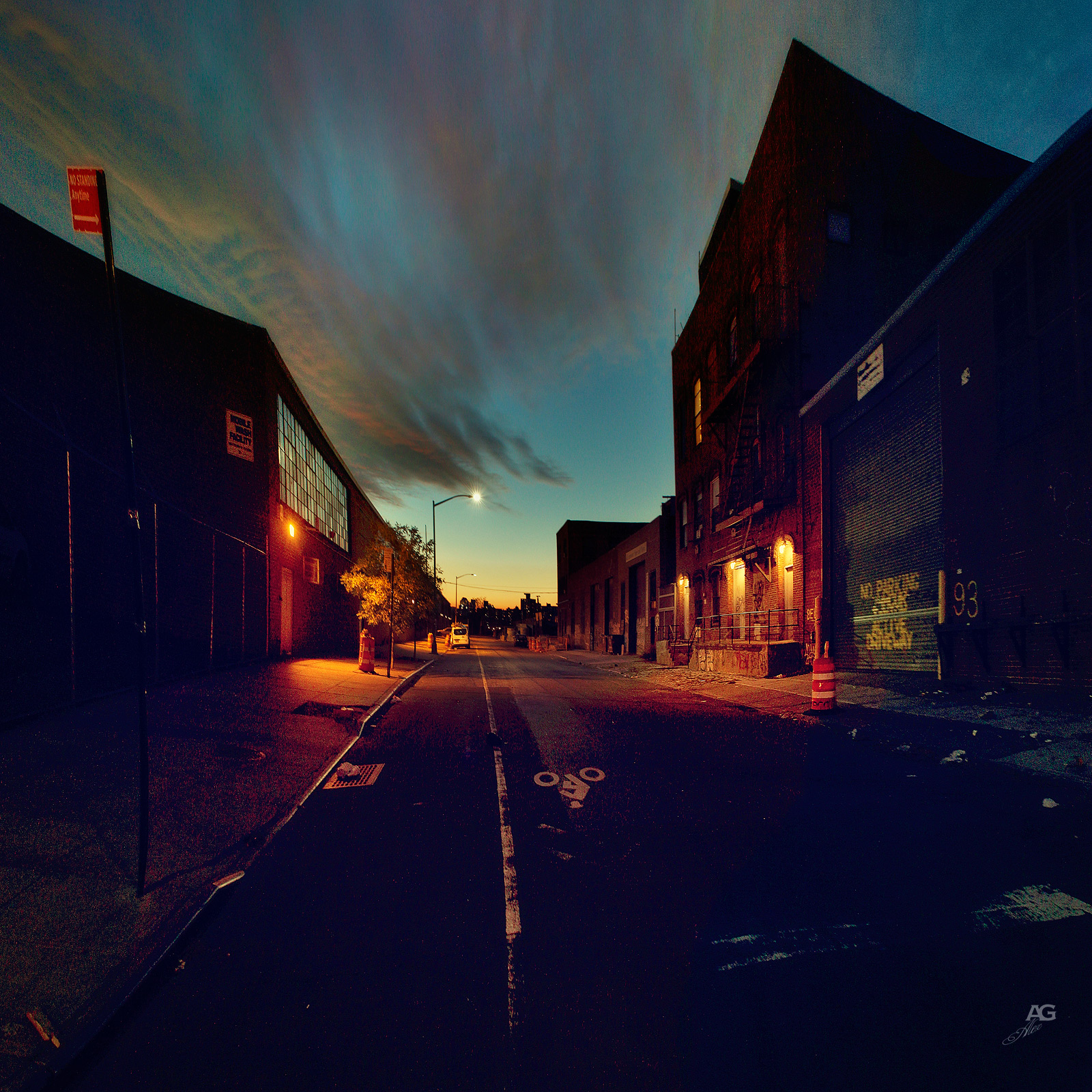 NamelessStreetInWilliamsburgSunset_warped_1600