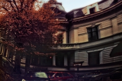 RomaniaBucharestVerticalOldBuilding_warped_1600