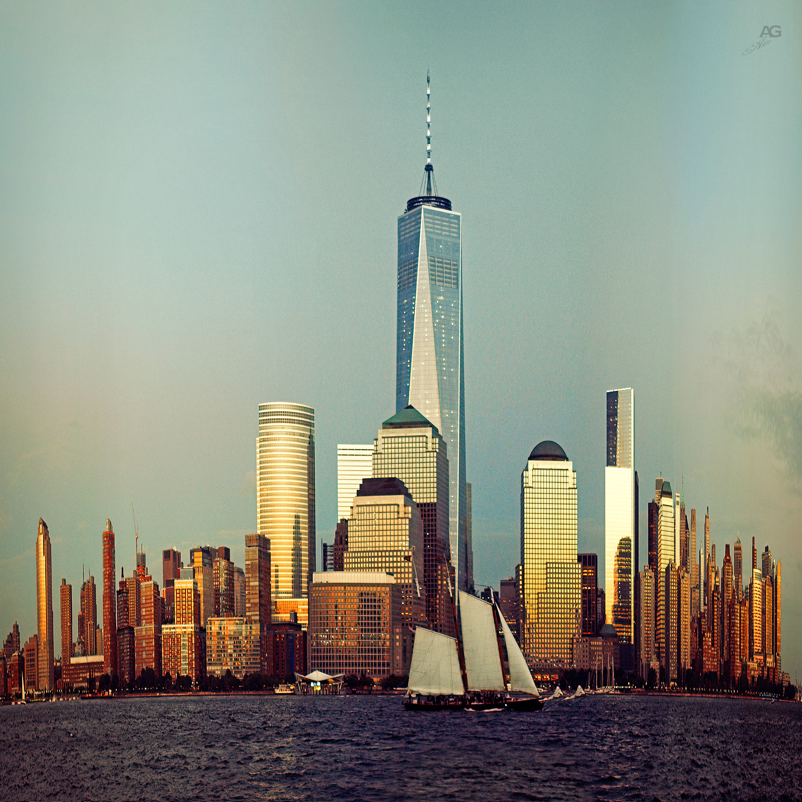 ManhattanDowntownFromJerseyBeforeSunsetShip_variably_squished_1600