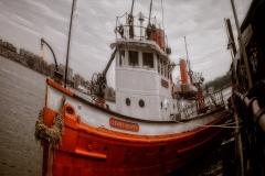 RedFireboatNearFryingPan_warped_1600