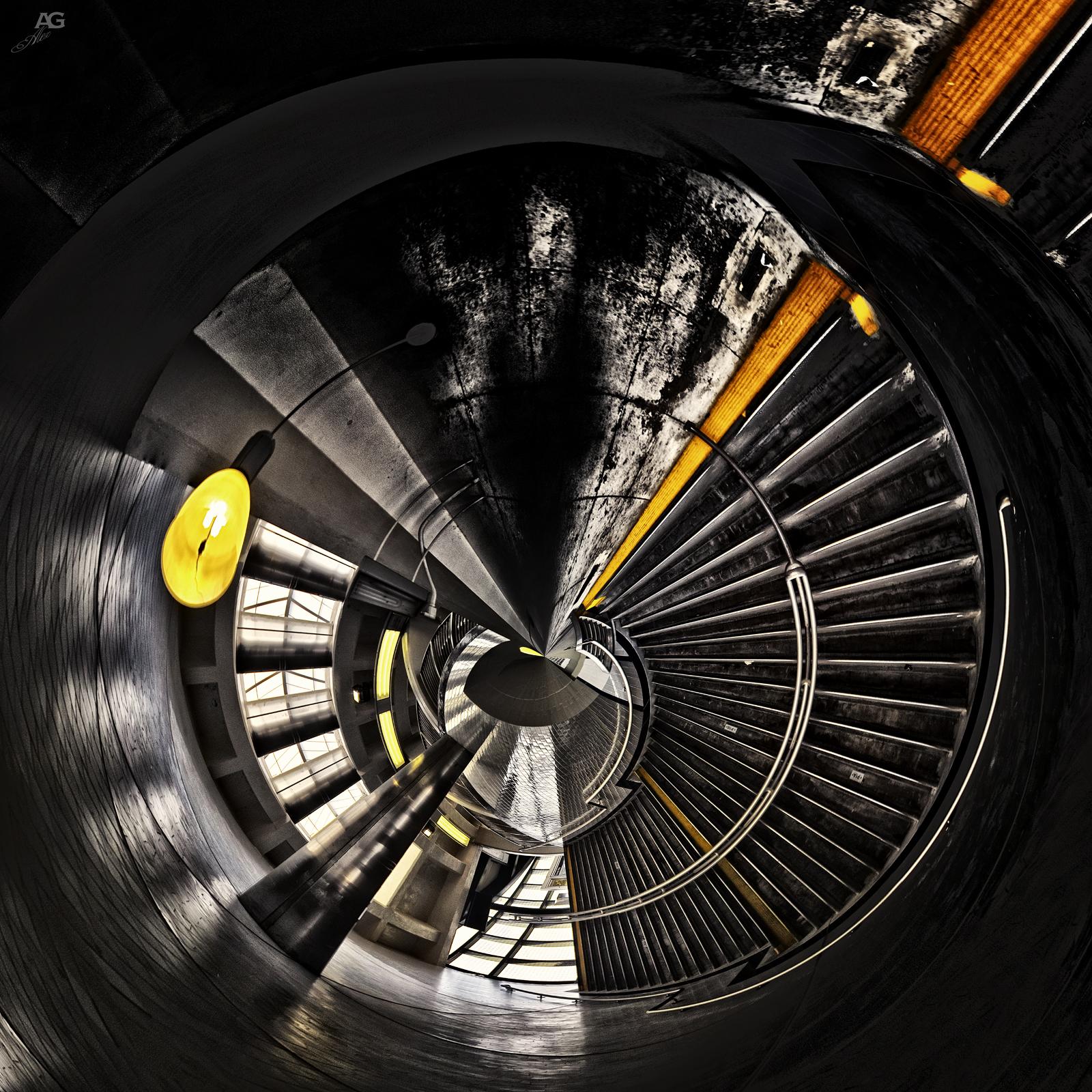 StairsOnTheSubwayTrainNeckRoadStationVertical_sigma_POLAR_1600 - Copy