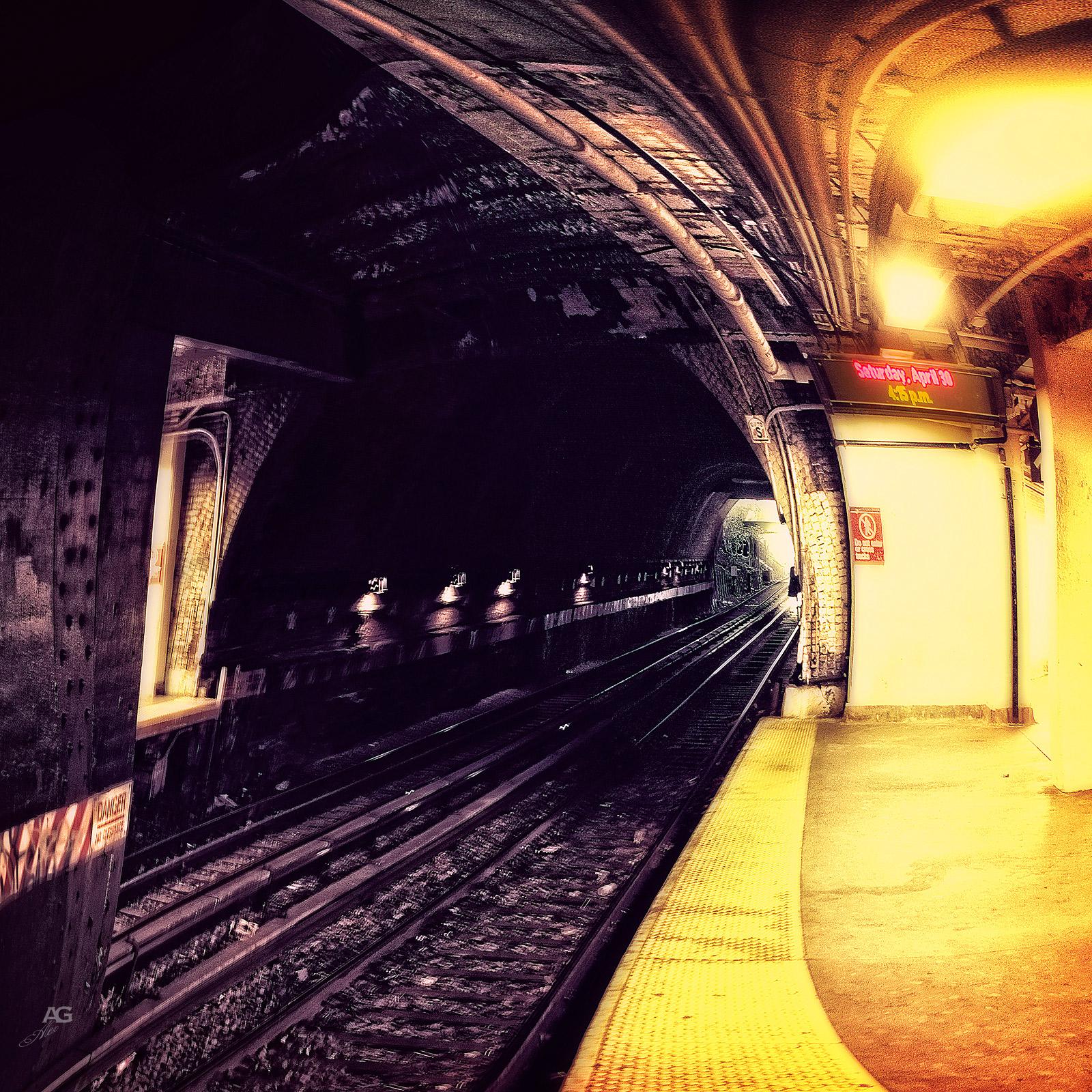 TrainSunwayStationBrooklynBotanicalGarden_warped_1600