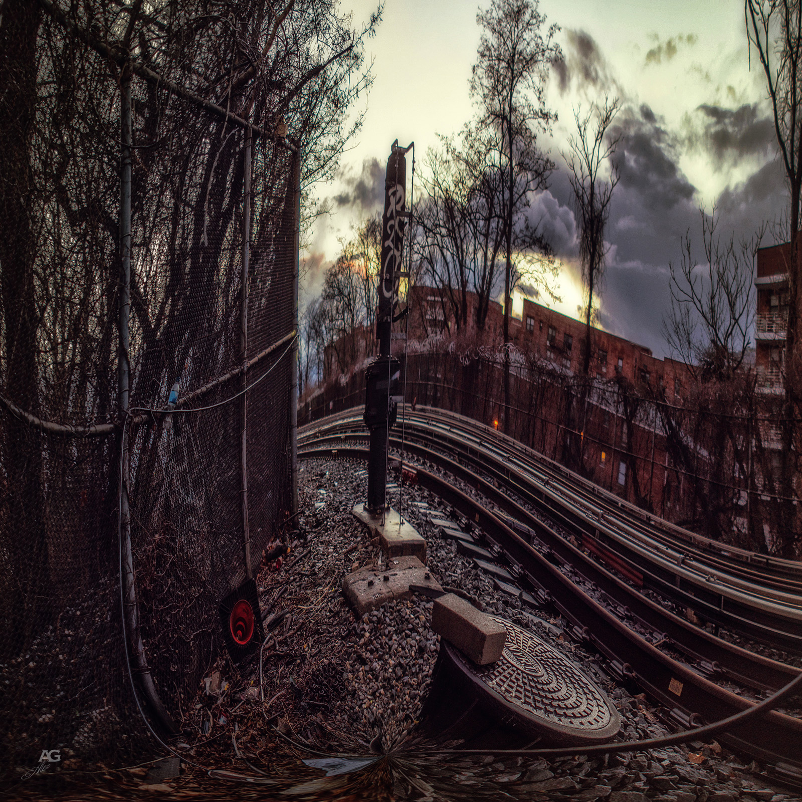 TrainTracksNearSheepsheadBaySubwayStation_unfoldedWarped_1600