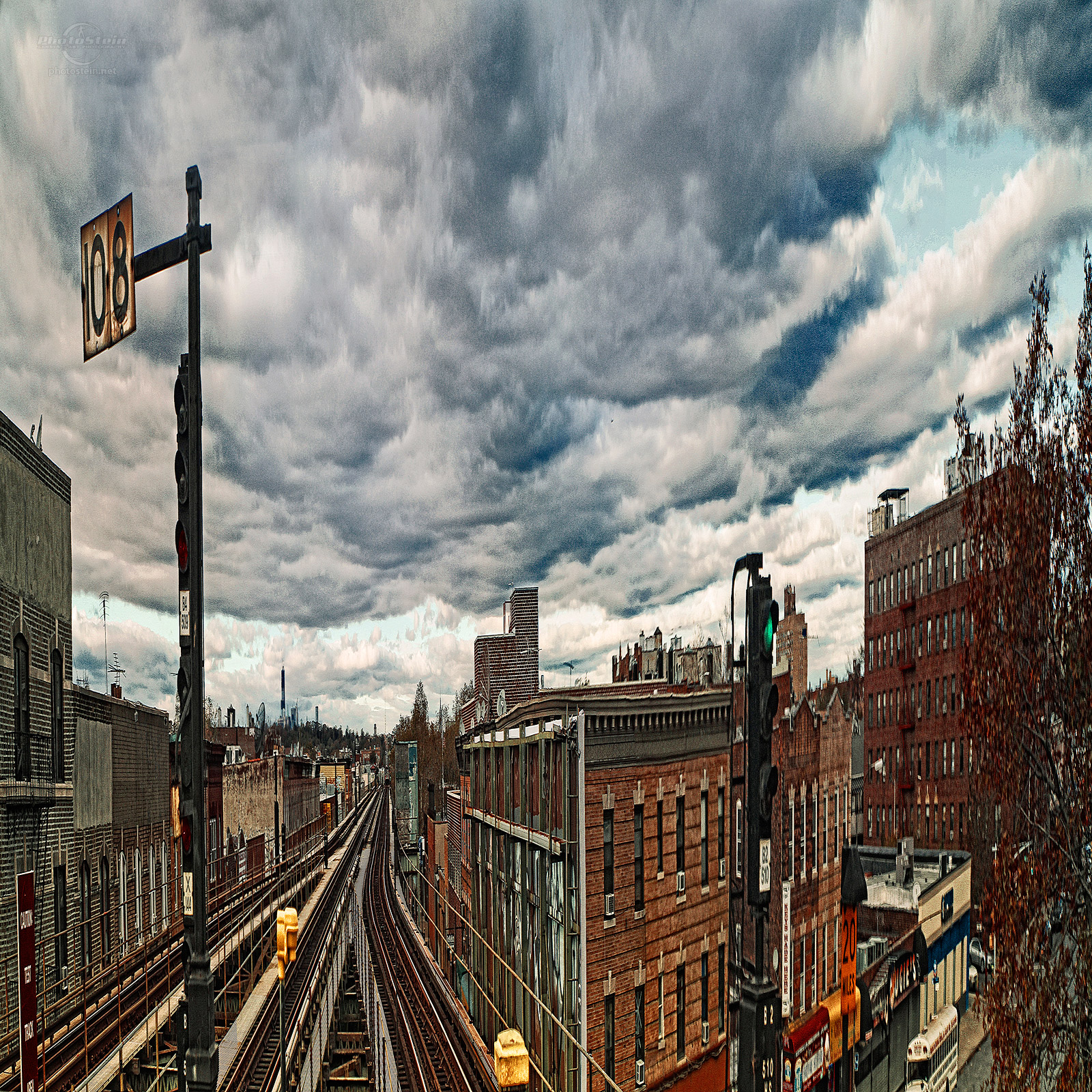 subwaytrucks_clouds_1600