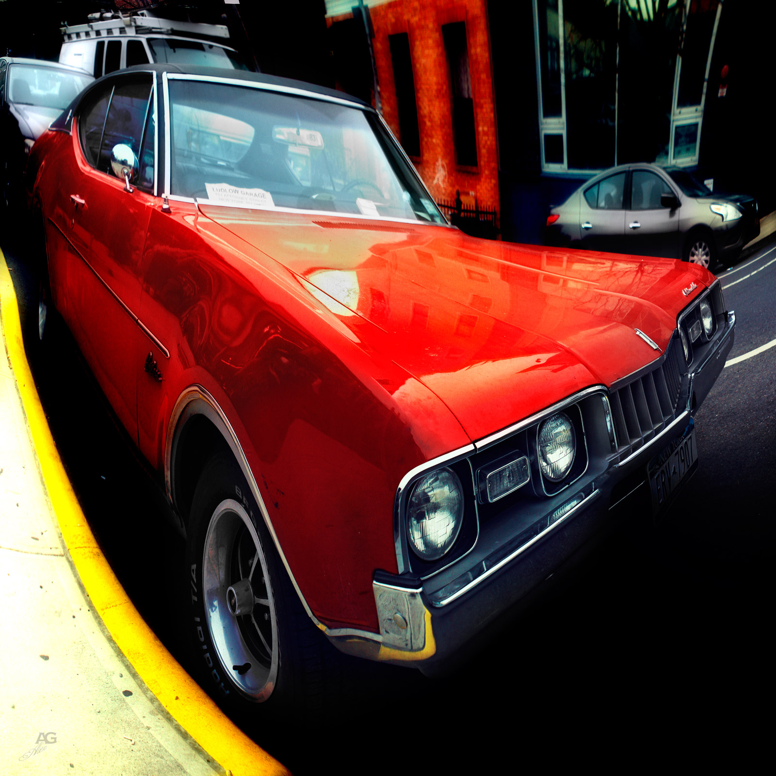 RedMuscleCarInWilliamsburg_warped_1600
