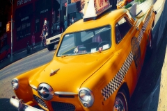 VintageTaxiInManhattan_warped_1600