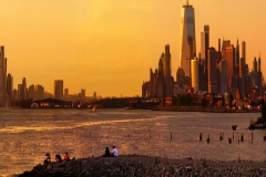 ManhattanDowntownFromBrooklynInASunset_variable_1600