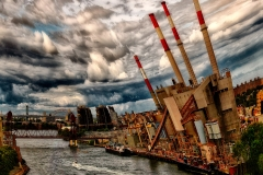 WaterwaysBoatOnEastRiverFromQueensboroughBridge_warped_1600